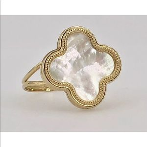 Jewelry - 14KT Gold Clover Alhambra Mother of Pearl Ring